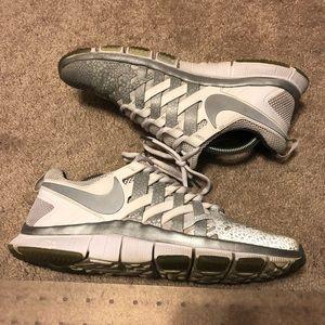 283bbc4ae765 Nike Shoes - Nike Free Trainer 5.0 NRG 3M White Silver Size 9.5
